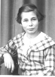 Ruth Fanny, born 18th January 1922 in Gunzenhausen