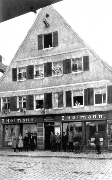 "Photo of ""Bankhaus Heiman"" about 1920"