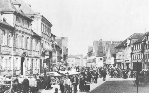 "House ""Marktplatz 40"", (second from left) about 1924."